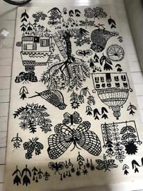 Designers guild tufted rug
