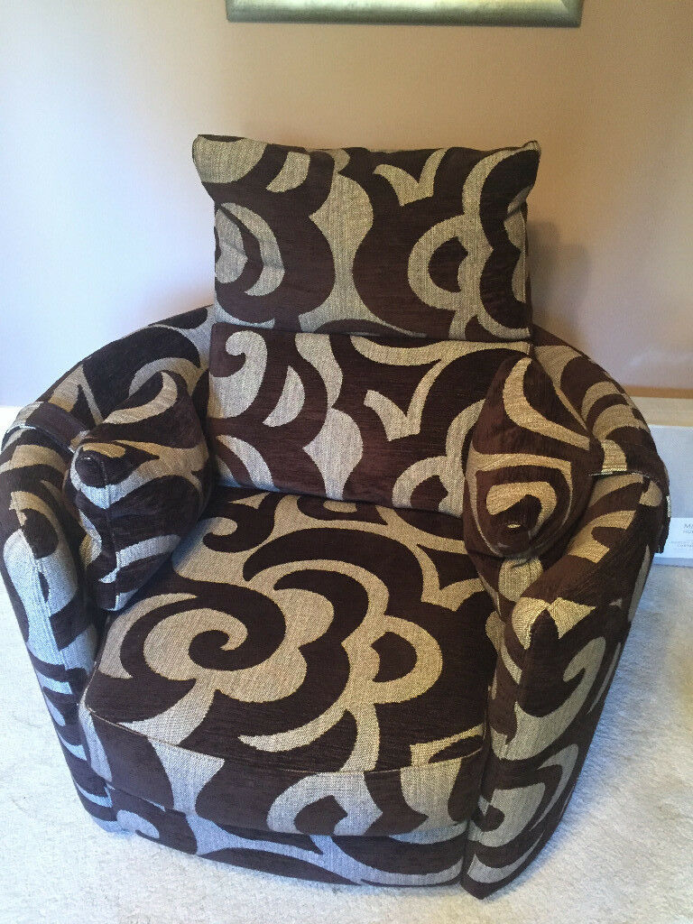 Fama Venus Chairs x 2 (excellent condition)