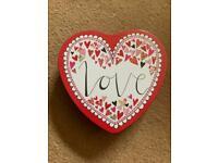 Small heart storage tin