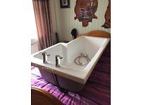 Bath tub for sale