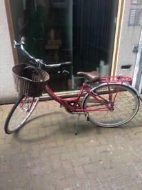 Kingston Mayfair Ladies City Basket Bicycle, red RRP £310 & D Lock included