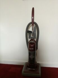 Hoover Spritz Upright Vacuum Bagless Cleaner
