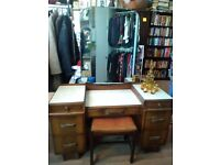 Vintage dressing table with stool in good condition, only a little scratch on right drawer.