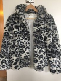 Gorgeous age 13-14 (fit s adult size 8) fake jacket