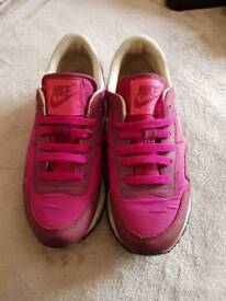 Nike trainers size 4 great condition