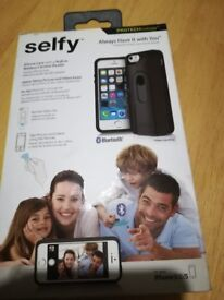 Selfy iPhone case with built in wireless camera shutter