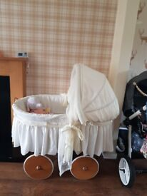 Leipold twin moses basket