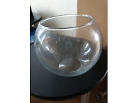 Round glass bowls or vases, can be used as wedding centre pieces x 15