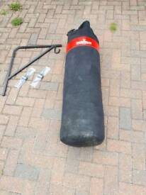 4' punch bag with wall bracket