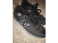 New Balance Black Unisex Size 6