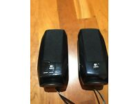 Logitech S150 Portable laptop speakers with cary case - Mint Condition