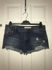 Pre-Loved Bershka Jean Shorts Size 12 UK