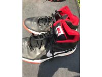 Size 7 Nike air trainers