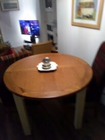 Extending dining room table when extended comfortably seats6 collection only £100 o.n.o