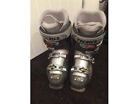 Women's Tecnica Size 6 Ski Boots