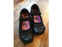 New George Girls School Shoes Size 10