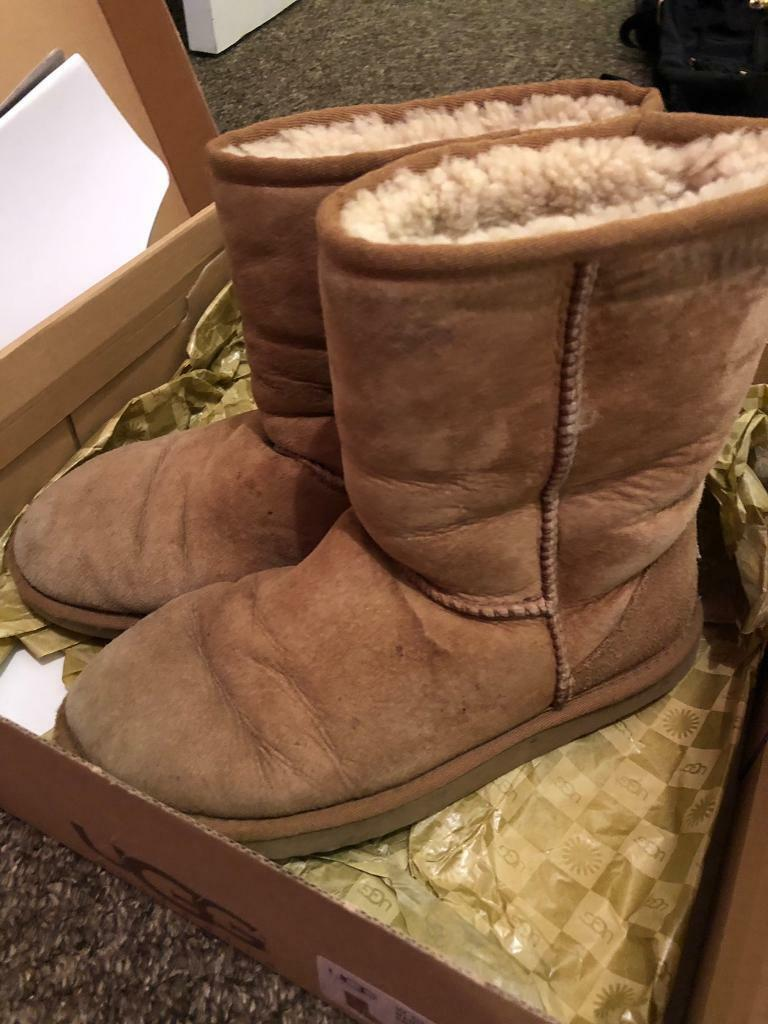e351e7beecd Chesnut ugg boots size 5 W7 classic short   in Westcliff-on-Sea, Essex    Gumtree