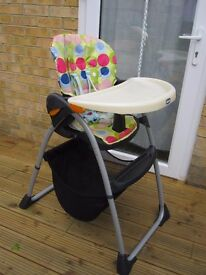 Chicco Spotty High chair With Storage Basket Under !Very good condition