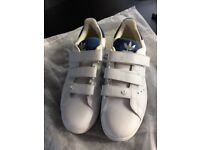 Adidas trainers Velcro straps size 7
