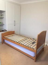 Single bed frame with pull out guest bed (only one mattress)
