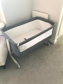 Cozi sleeper bedside crib/ cot/ Baby
