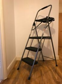 3 Step Steel Ladder And Tool Tray