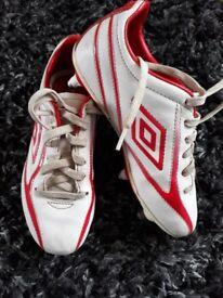 Biys umbro football boots