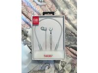 Beats x - brand new - silver/white