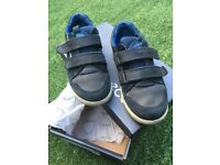 Kids Ecco shoes size 28