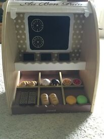 Janod Bakery shop - very chic wooden food toys