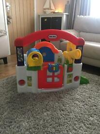 Little tikes play centre / play house