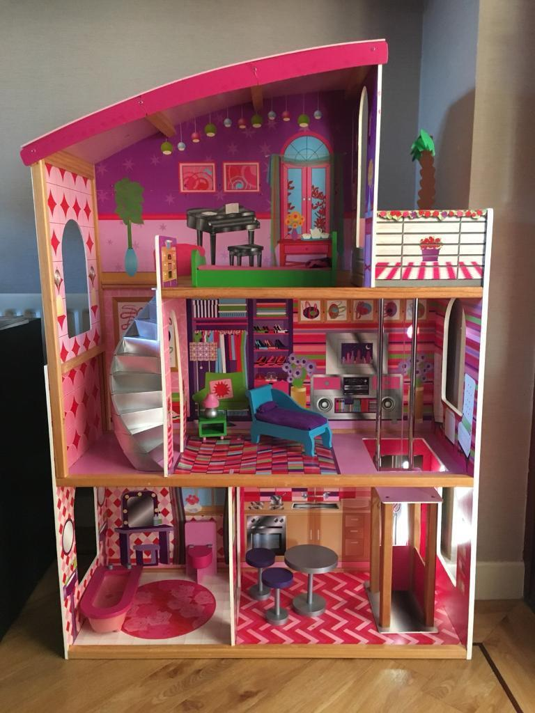 dolls house for barbie   bratz dolls