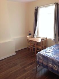 INCLUDING BILLS - Modern double room to rent on The Broadway, Bexleyheath, DA6 7HL