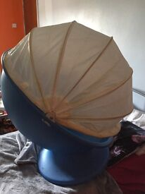 Children chair, spins 360.