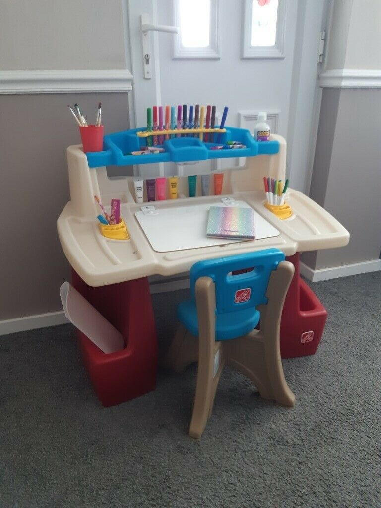 Large Children S Art Table And Chair Step 2 Deluxe Art Activity Desk