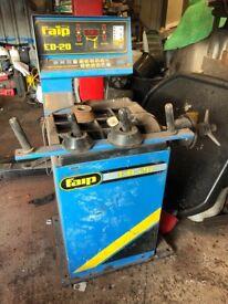 Faip ED-20 Wheel Balancer