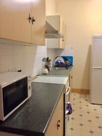 DOUBLE BED IN 2 BEDROOM FLAT FULLY FURNISHED ALL BILLS INC