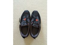 DKNY TRAINERS SIZE 37.5 UK