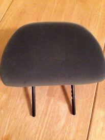 Headrests for Peugeot estate