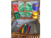Outdoors Picnic Basket Hamper for 4 Persons