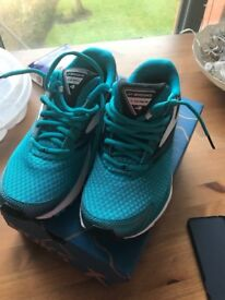 Brooks Trainers - size 6 women