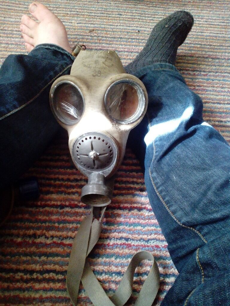 British gas maskin Ledbury, HerefordshireGumtree - This is a lovely example of a ww2 gas mask unfortunately is has no canister and the glass for both eyes is cracked pritty bad and was h fortunately been done recently I as a result of an animation box falling on it but still a nice piece for a...