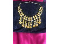 Yellow stoned boutique necklace