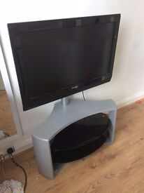 PHILLIPS LCD TV WITH REMOTE & STAND