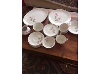 ROYAL DOULTON 'PILLAR ROSE' CHINA TEA/DINNER SERVICE. 26 PIECES. TC1011.