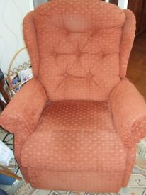 Celebrity Riser/Recliner Petite single motor chair