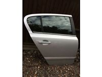 Astra h elite 2008 drivers rear door in silver electric window 07594145438