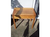 OLD FASHIONED STYLE LIFT UP LID CHILDS DESK