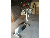 Cross trainer fitness machine