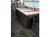 Dog kennel / run 8ft x 3ft x 3ft